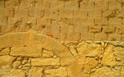 Cabras, la storia attraverso i muri